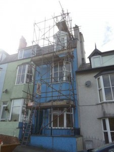 scaffold for lining two difficult access chimneys